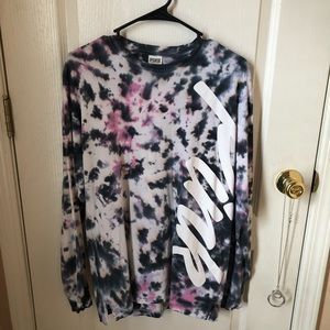VS Pink Tie Dye Long Sleeve Shirt